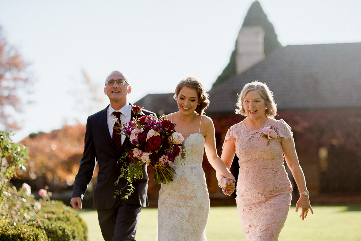 dan-ruth-autumn-southern-highlands-bowral-wedding-bendooley_0039.jpg