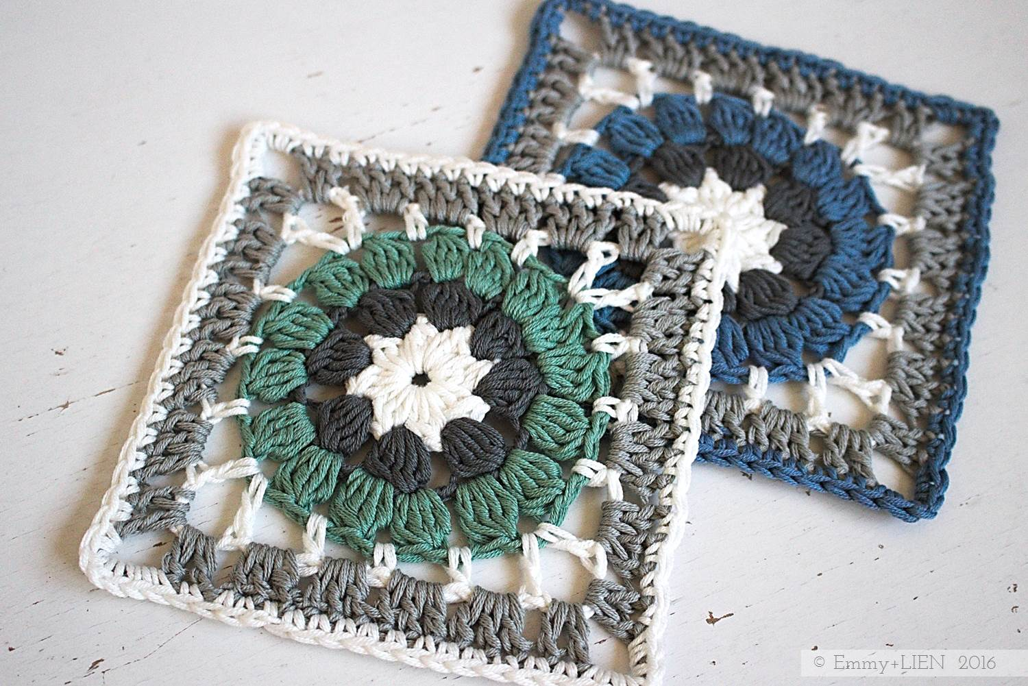 Dally Dahlia Granny Square in blue and green | free crochet pattern and tutorial from the Emmy + LIEN blog