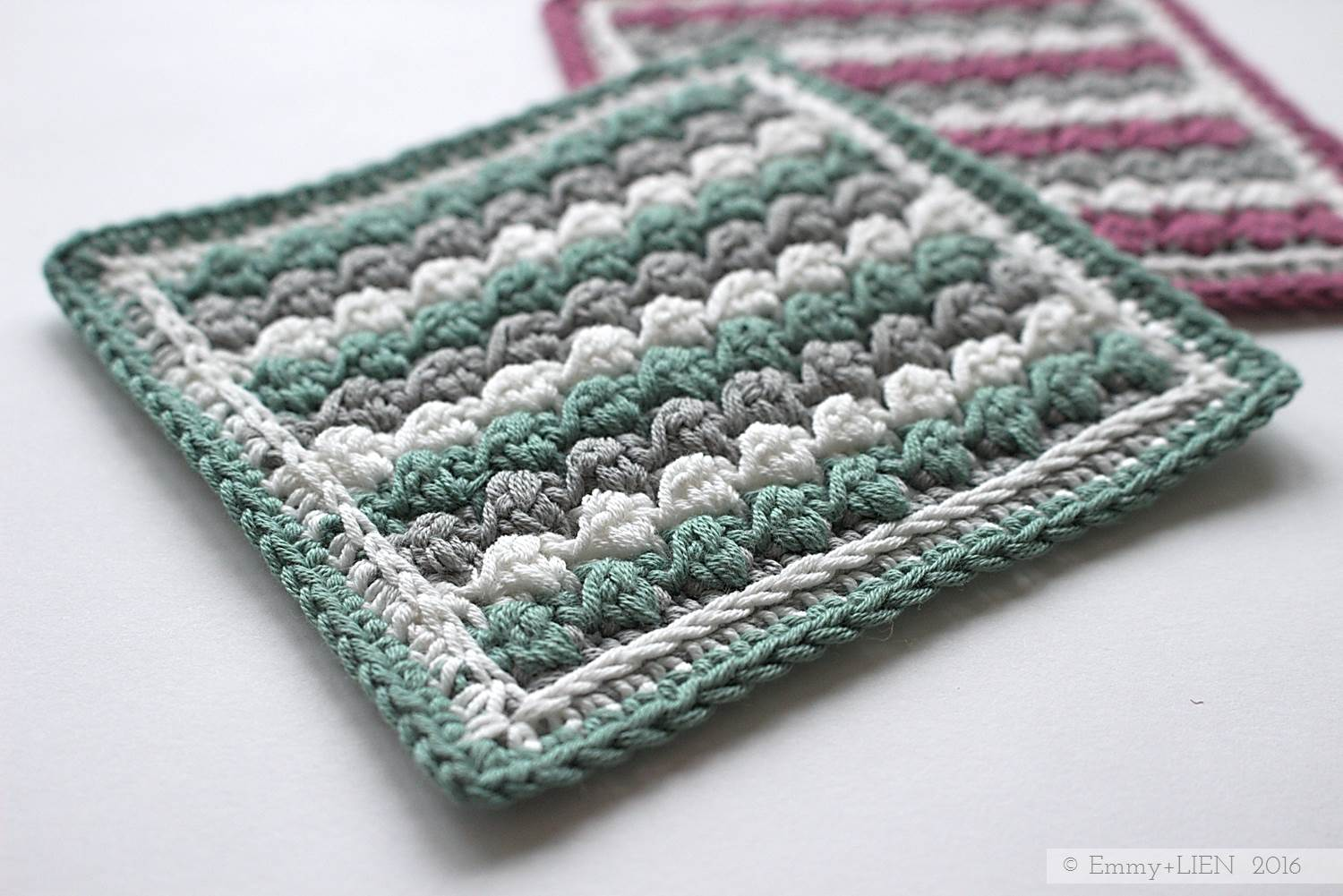 Raspberry Ripple Sampler Square | Free Uneven Berry crochet stitch tutorial and granny square pattern by Emmy + LIEN