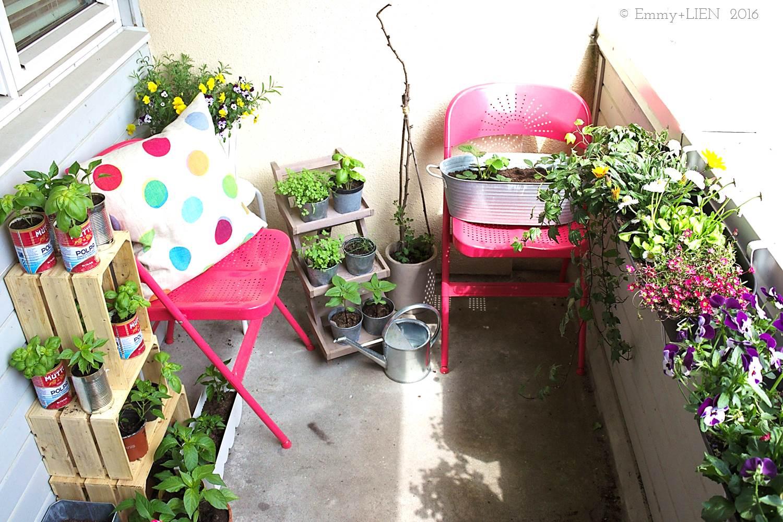 Balcony garden: edibles and ornamentals