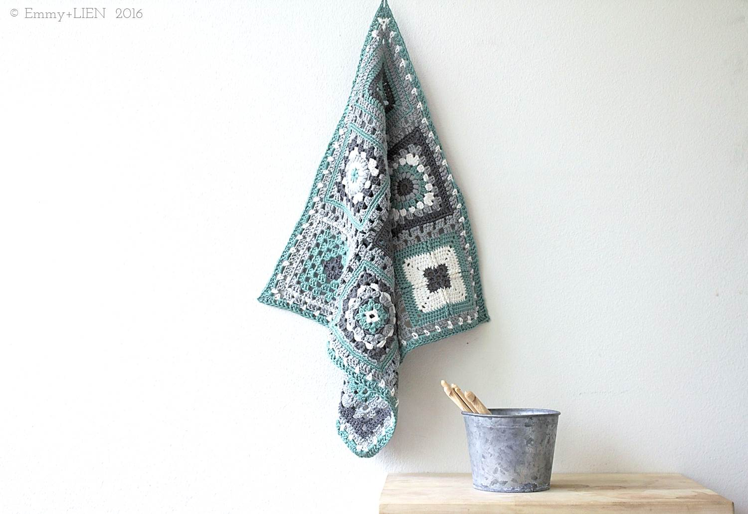 Crochet meets Patchwork Blanket by Eline Alcocer @ Emmy + LIEN | green block (link to all patterns in post)