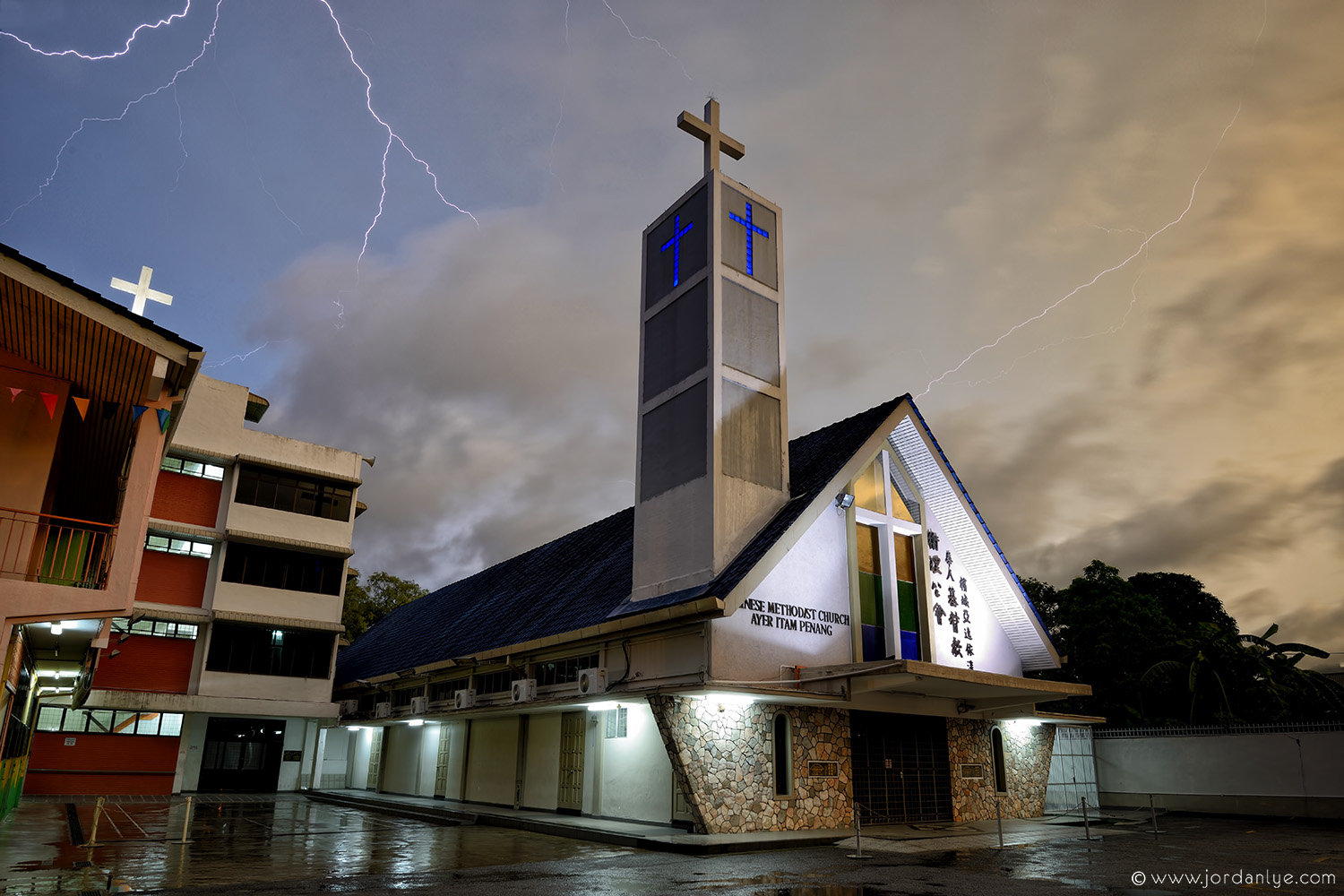 penang-chinese-methodist-church_landscape-photographer_lightning-season_jordan-lye-5.jpg