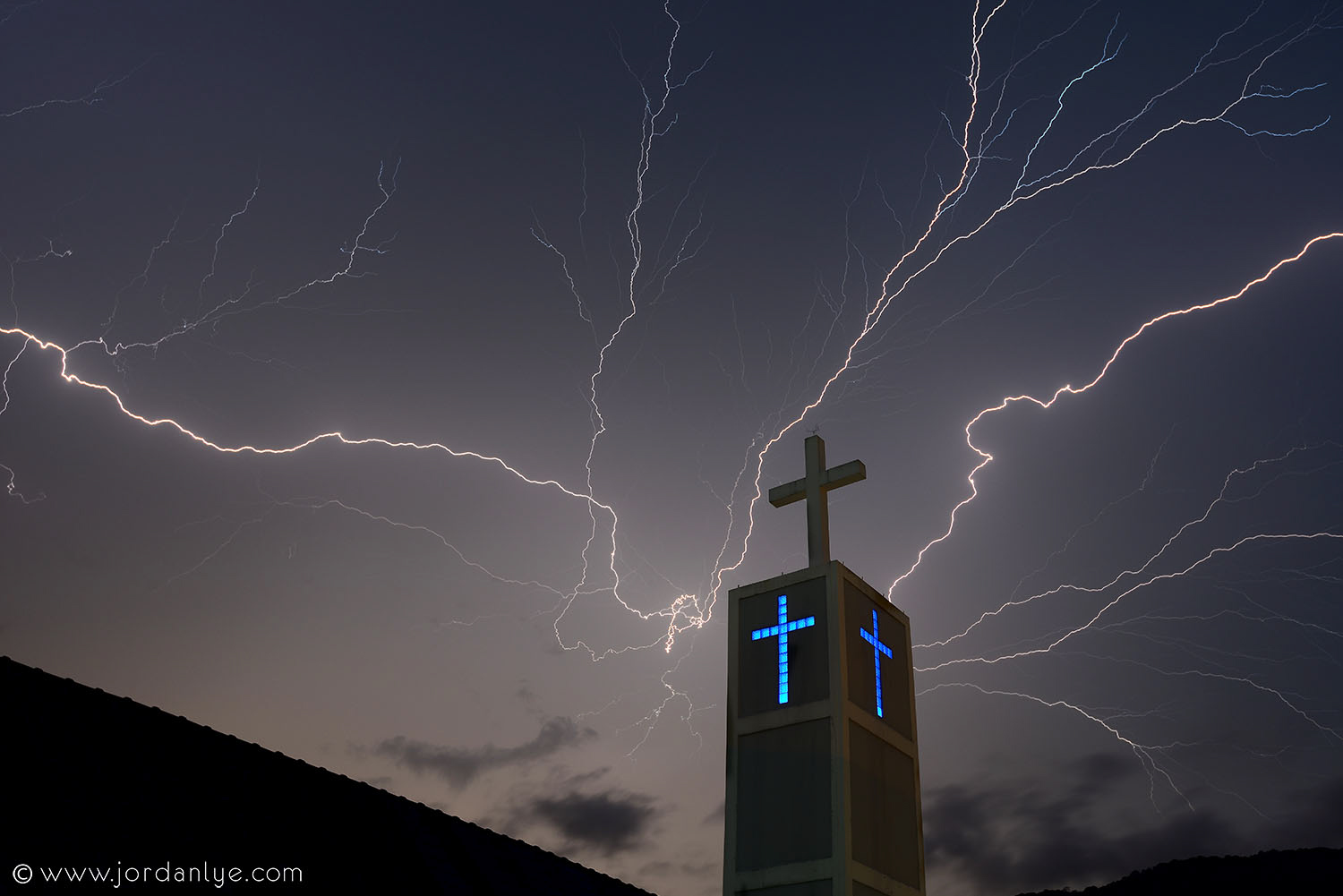 penang-chinese-methodist-church_landscape-photographer_lightning-season_jordan-lye-6.jpg
