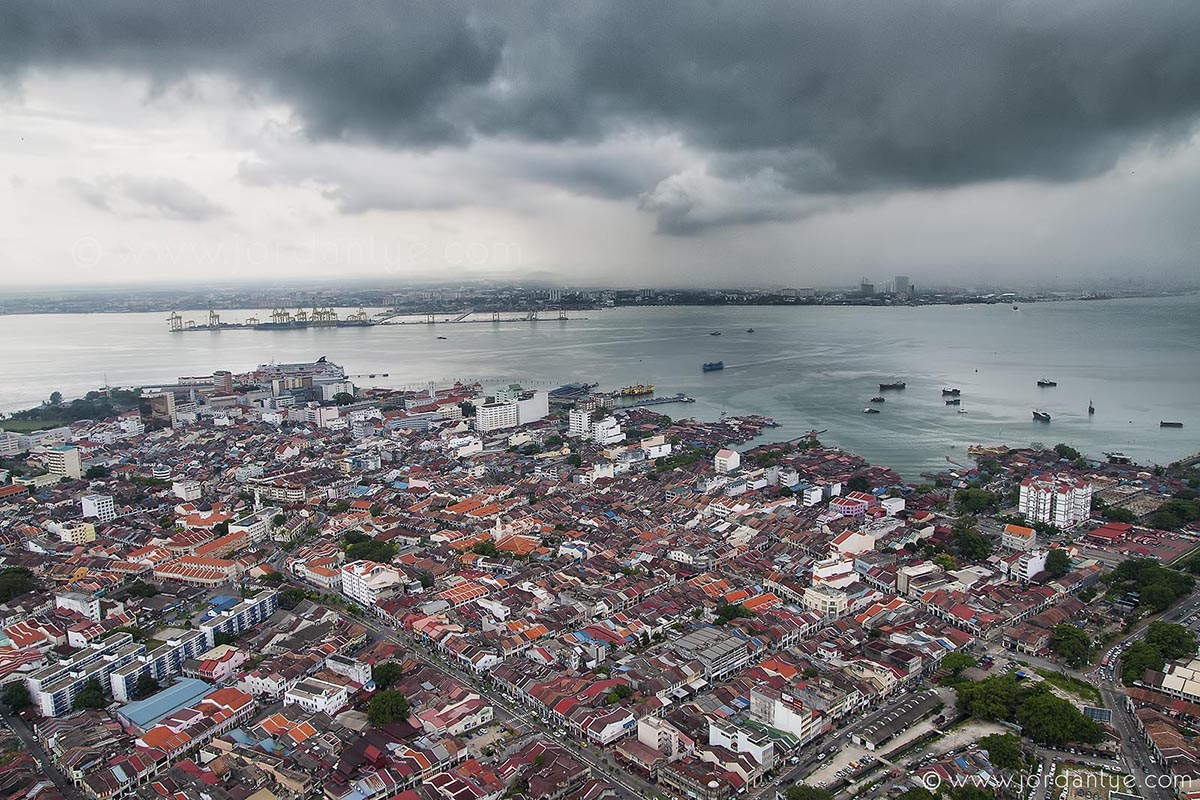 storm-above-george-town.jpg