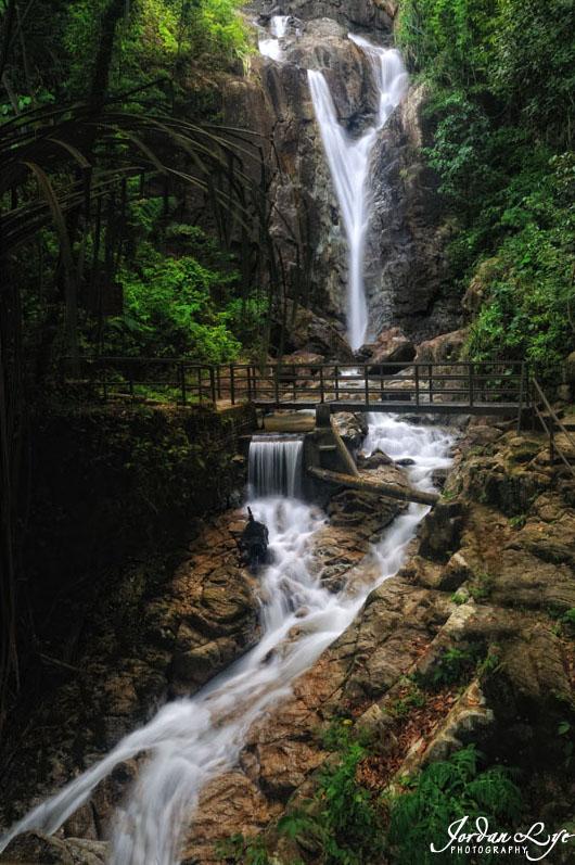 1Botanical-Garden-waterfall-06.jpg