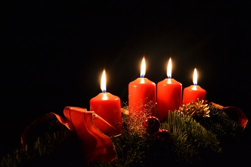 candles-1518932.jpg