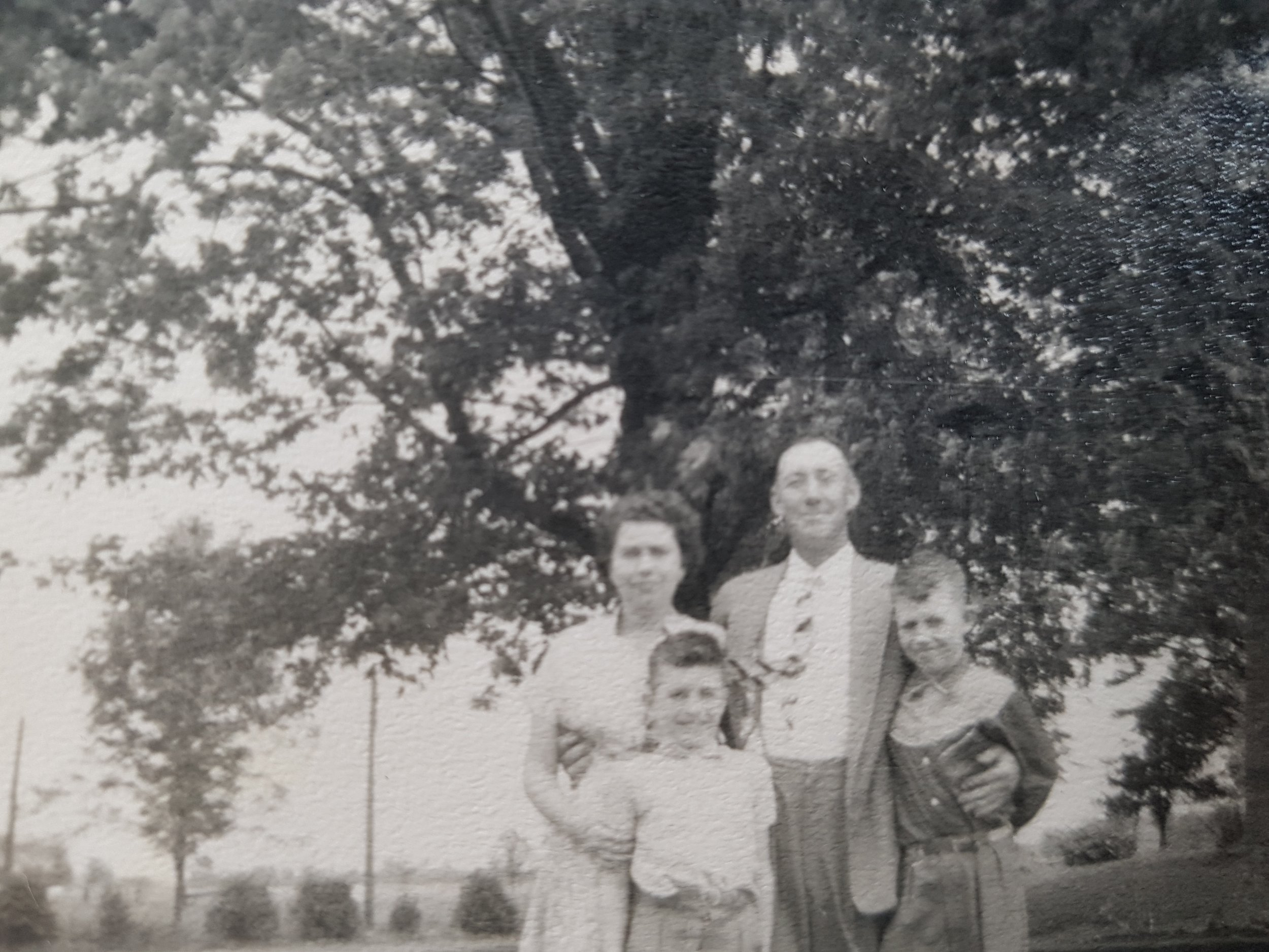 Bill, Verna & Boys.jpg