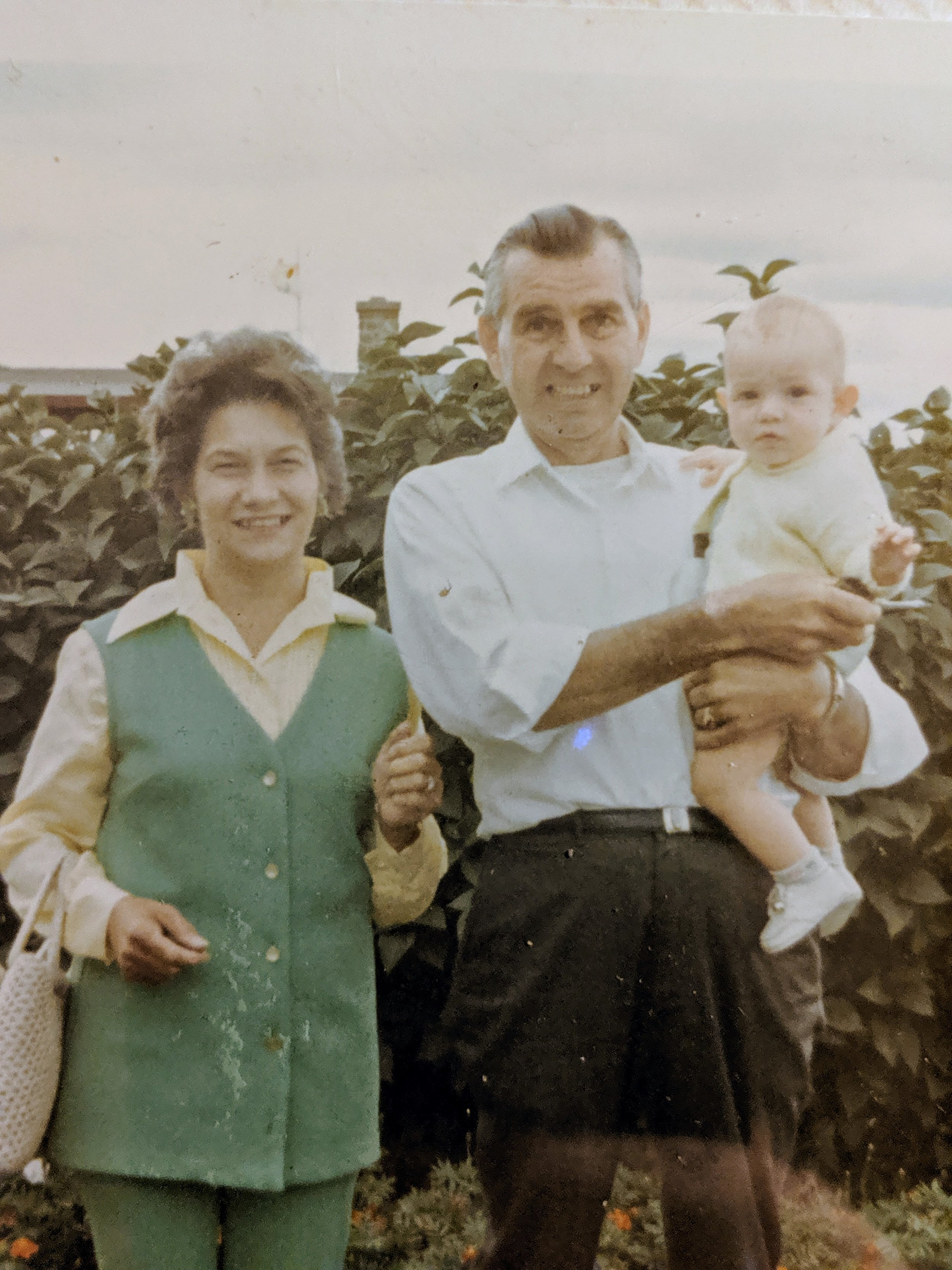 Nana Grandpa Loren 1970.jpg