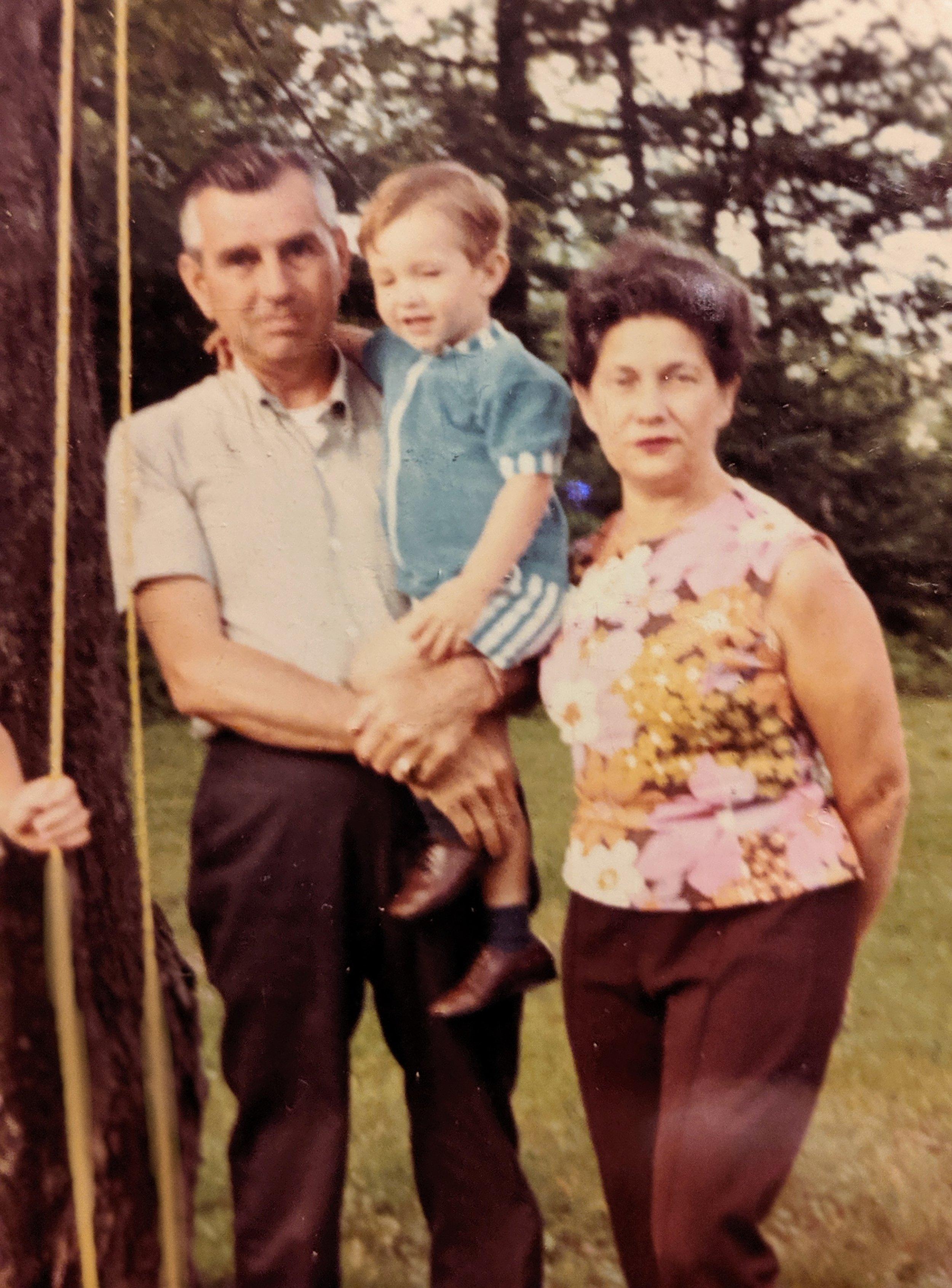 Nana Grandpa Loren 1971.jpg