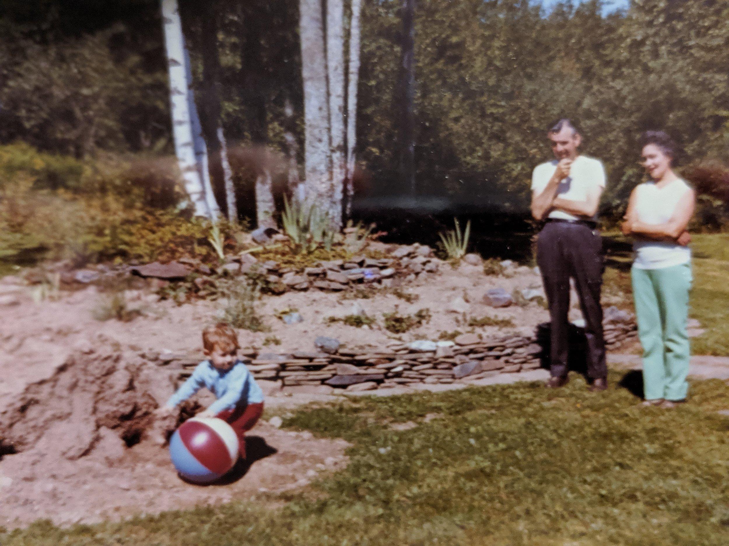 Nana Grandpa Loren 1972.jpg