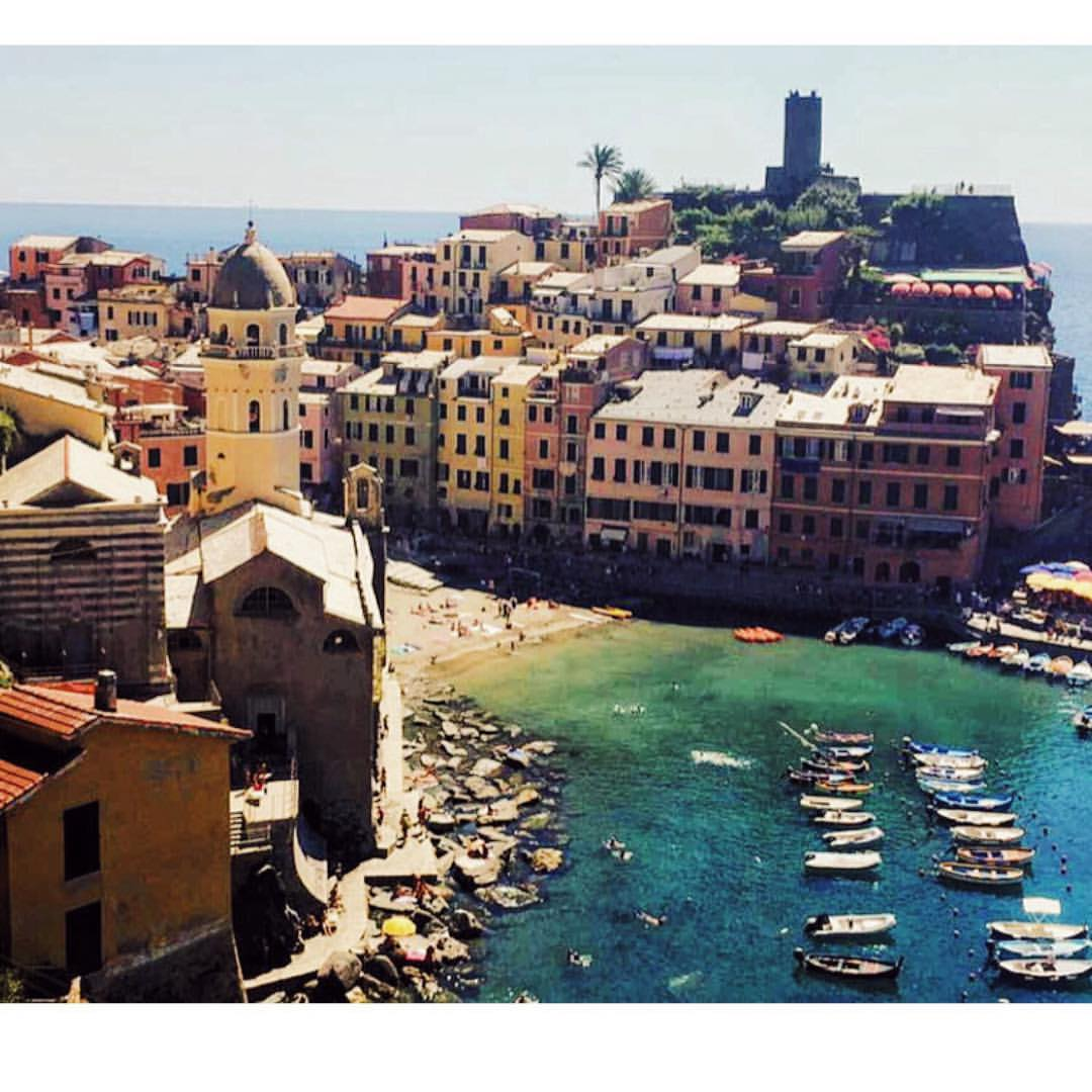 Vernazza you absolute beaut 🇮🇹 (at Vernazza, Cinque Terre, Italy)