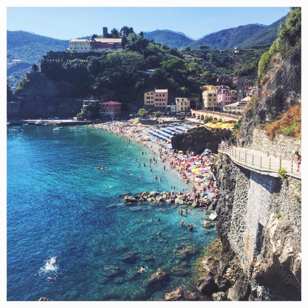 Monterosso on the rocks #CinqueTerre  (at Monterosso al Mare)