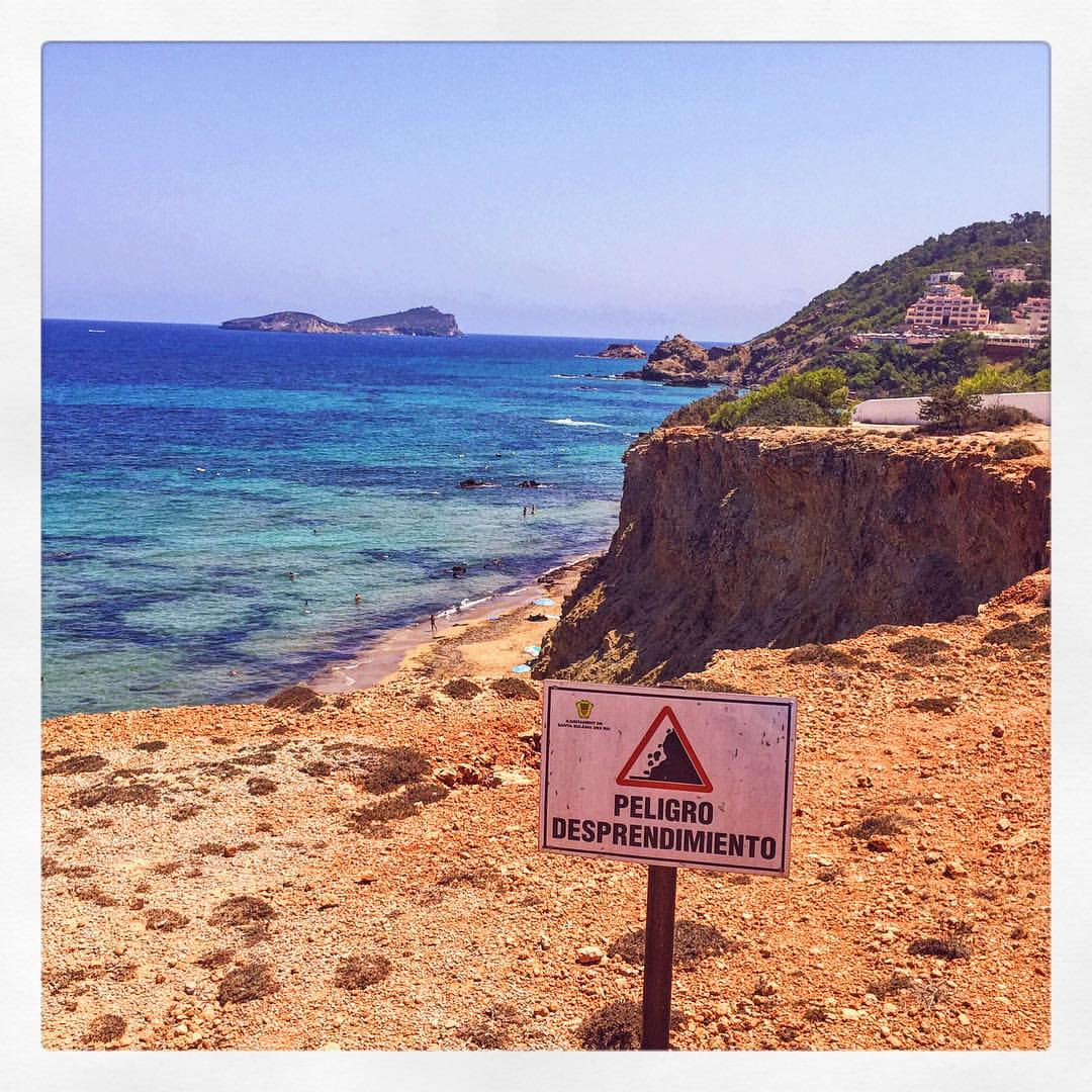 Livin la vida peligroso. #verano #ibiza #tbt  (at Cala Aigues Blanques, Ibiza)