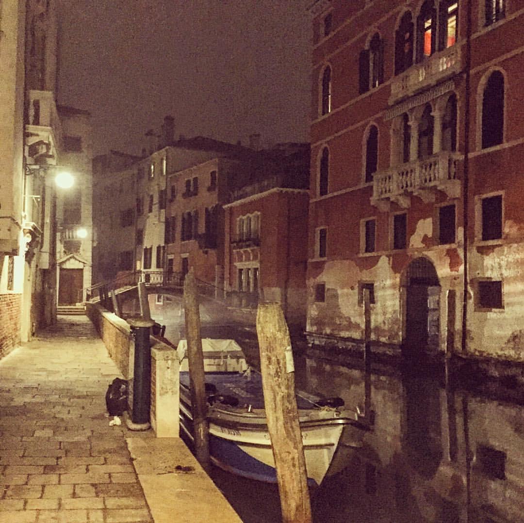 Night strolls through Venezia #Italia  (at Grand Canal Of Venice, Italy)