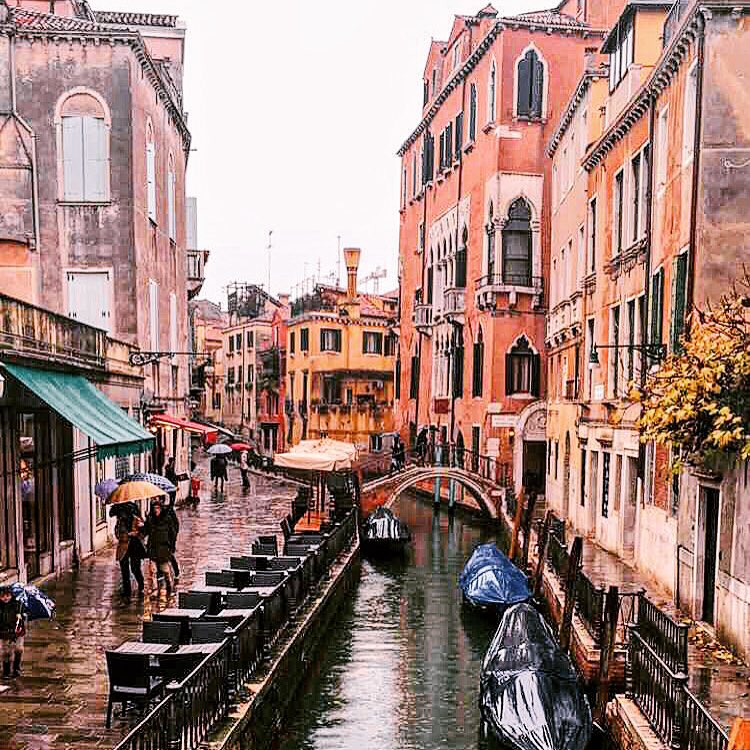 Rainy morning in Venezia  🇮🇹 ☔️ (at Venice, Italy)