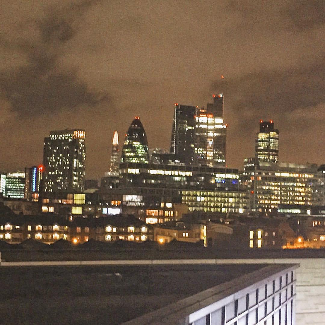 Goodnighty Blighty 💙🌙 #London  (at Shoreditch)