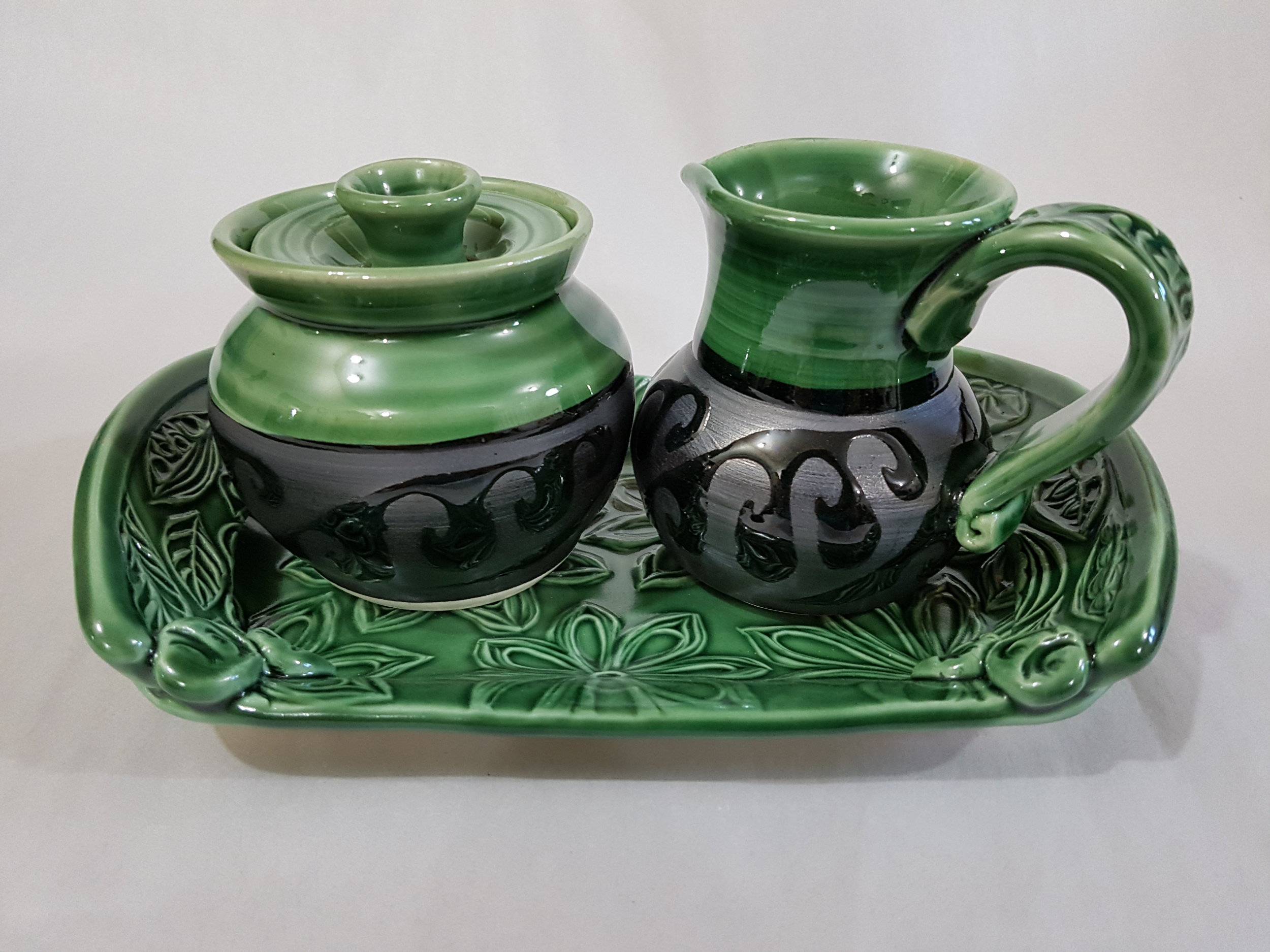 Cream and Sugar Set with Tray.jpg