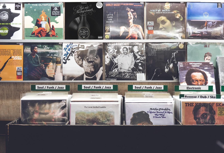 LC_Brauton_Vinyl_Werbung_Mockup_02_WEB.jpg
