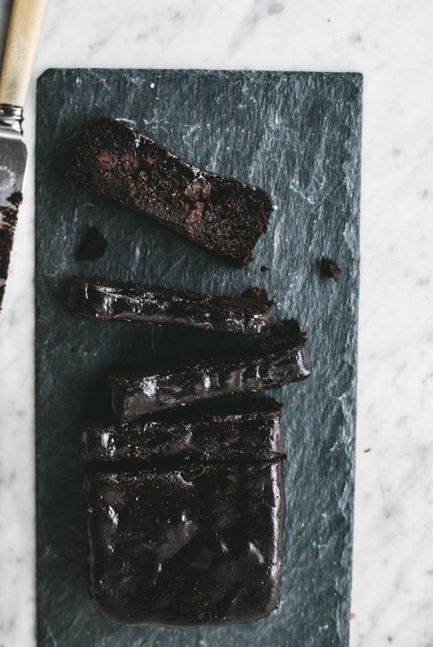 Sticky-Chocolate-Fudge-Cake-006.jpg