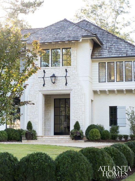 {Image Source: Atlanta Homes & Lifestyle Magazine)