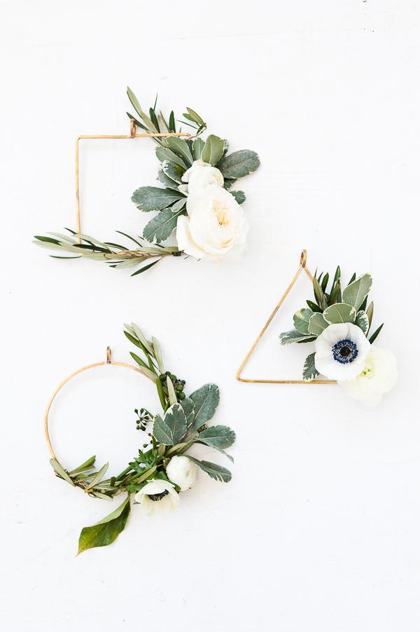 The Asymmetrical Holiday Wreath DIY