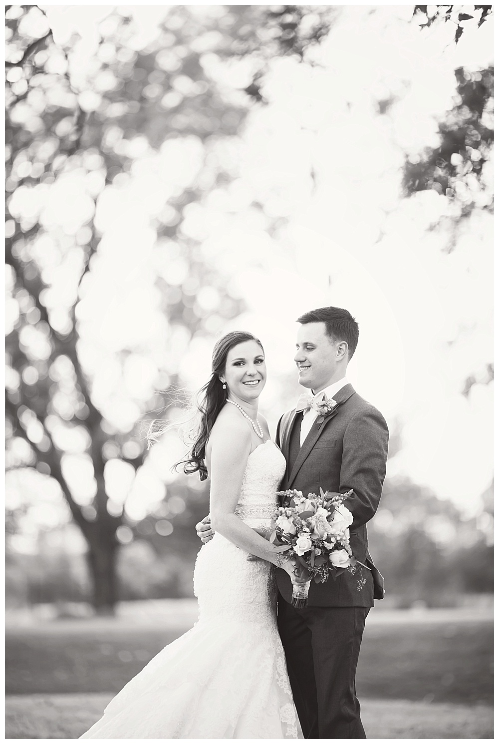 Sara_Hill_Country_Village_Shreveport_Wedding_13.jpg