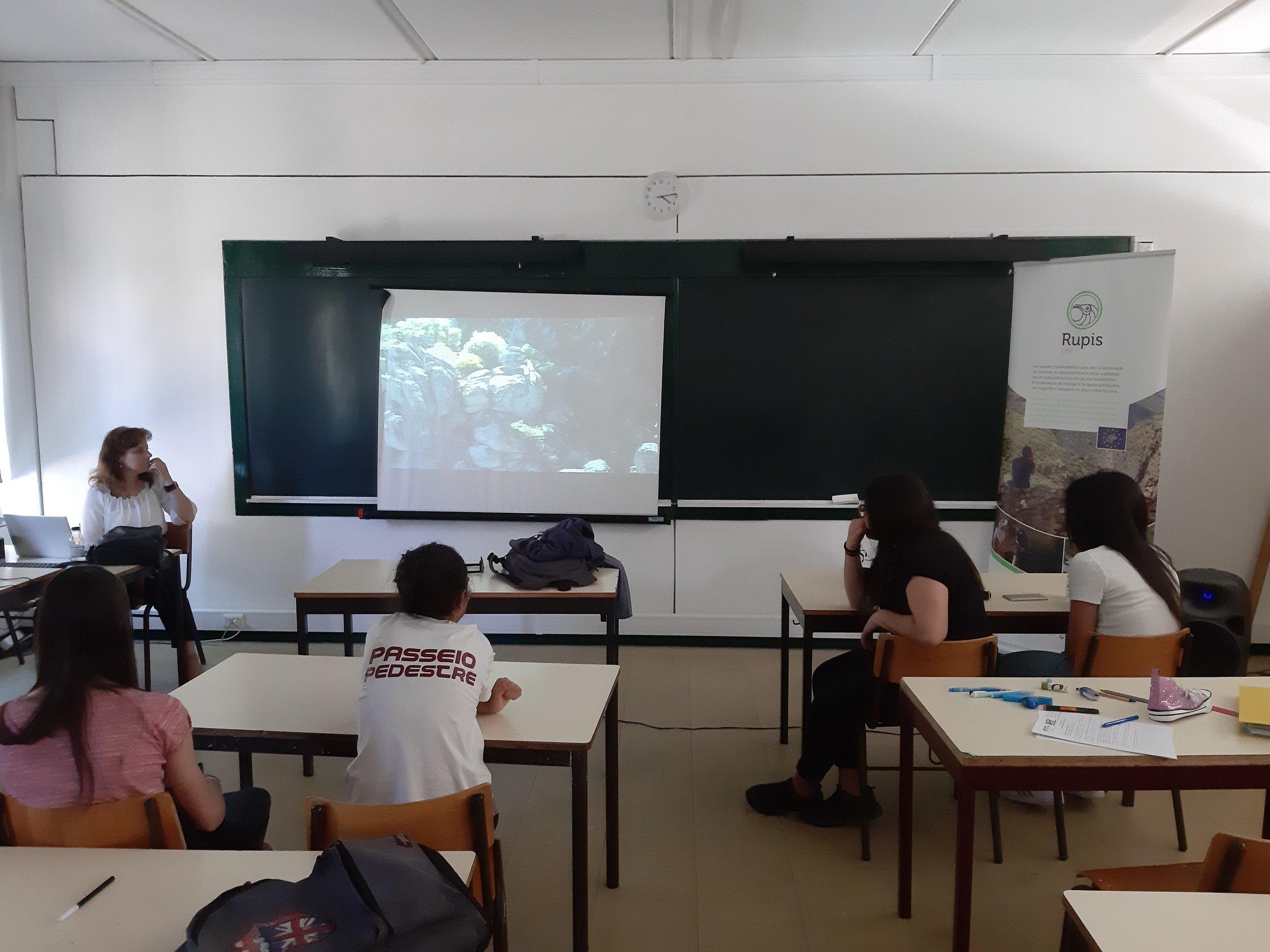 Comemoração do Dia Internacional da Biodiversidade. Alunos/as do 8.º ano - Agrupamento de Escolas de Vimioso.