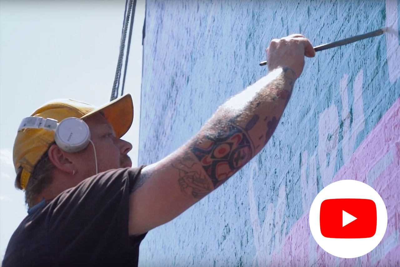 Sign Painting - An interview with one of the top sign painters from Colossal Media. (After I saw this video, I recognized him walking into that office across the street)