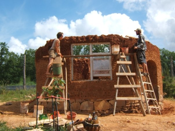 building cob cottage.jpg