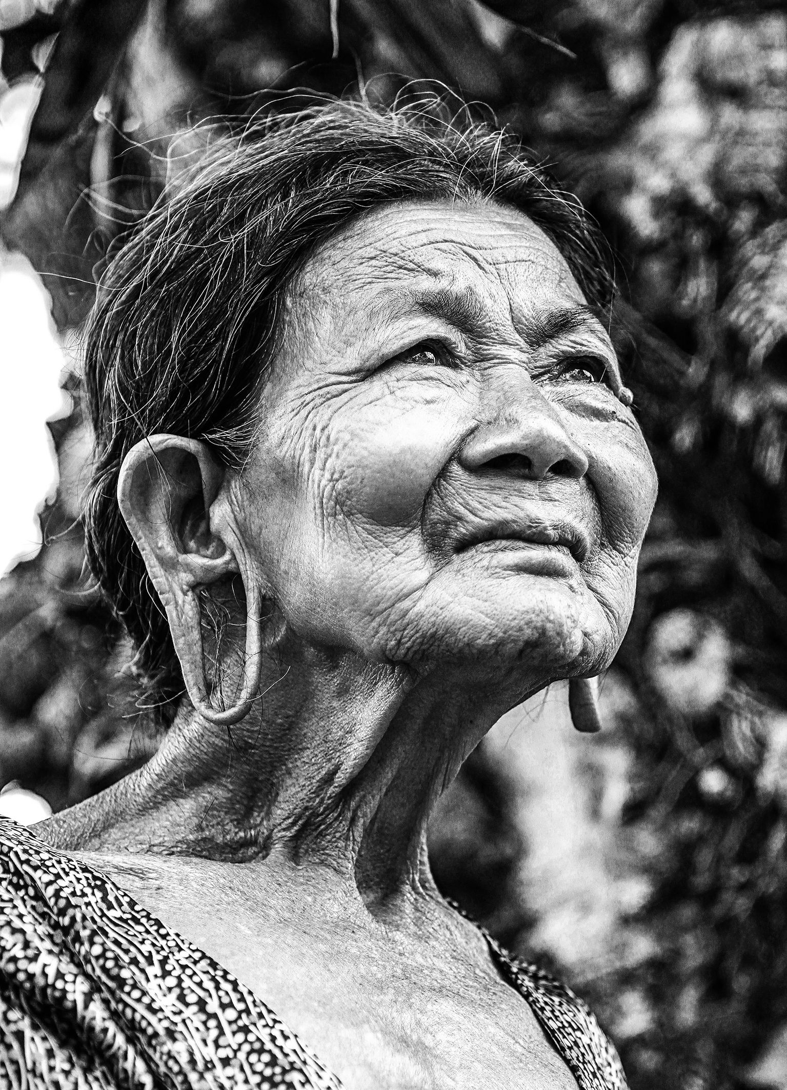 old-woman-portrait-vietnam-three-tamarind-m-nong-157611.jpeg
