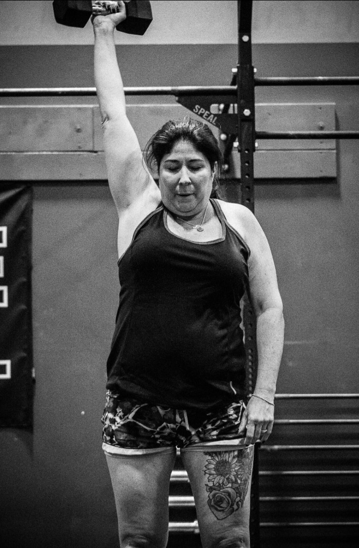 Sue grinding through CrossFit Open Workout 17.1