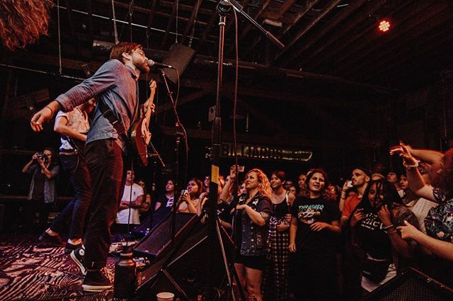 THROWBACK to an amazing show at @thehihatla with all our friends @beachgoons @kingshelter & @ridgewaycalifornia 💕 EAST COAST ARE YOU READY?!?! (Ticket link in bio) 📸: @shutterhappyjose