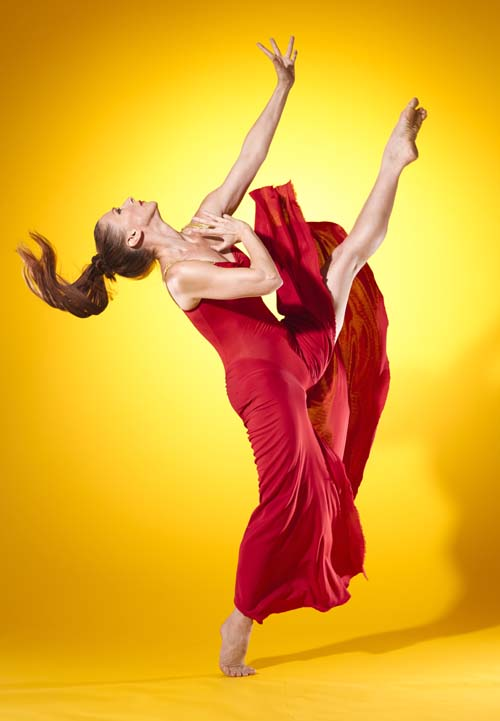 Blakeley White-Mcguire - Blakeley White-McGuire, critically acclaimed as a Principal dancer with the Martha Graham Dance Company (2001 - 2016, 2017), has performed the iconic dances of 20th century Modern canon including Lamentation, Chronicle, Appalachian Spring, Errand Into the Maze and Night Journey.