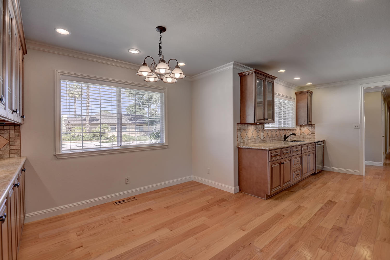 Eat In Dining Area to Kitchen.jpg