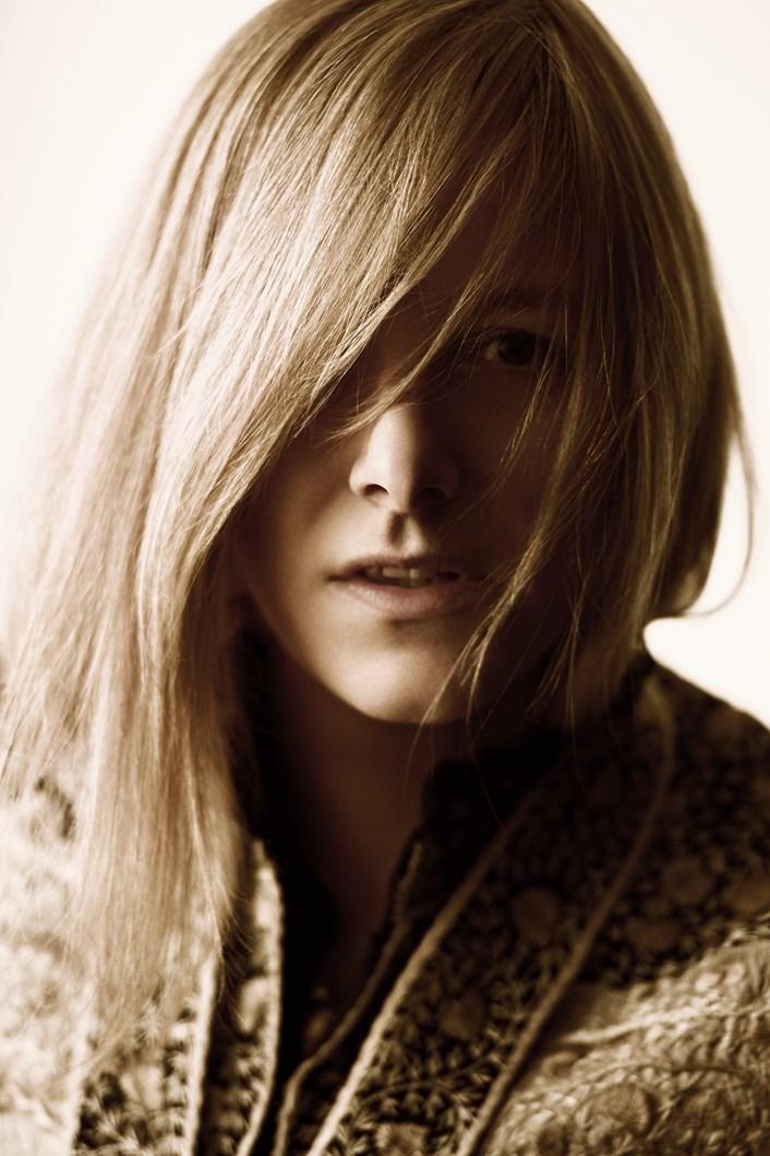 MAKING THE MCQUEEN PERFUME: A SARAH BURTON INTERVIEW -