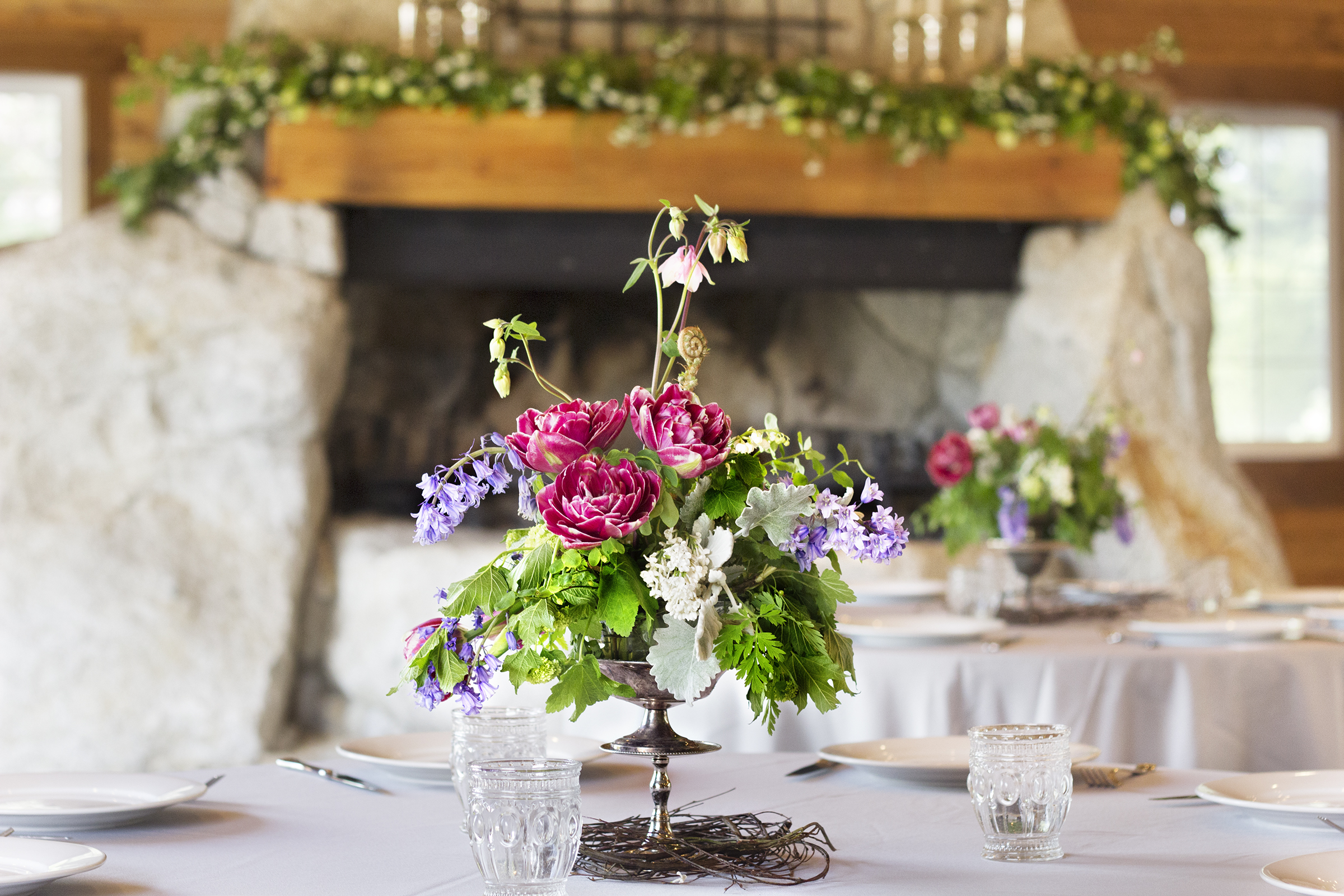 reduced_ss_bouquet_event_building_fireplace_tulips.jpg