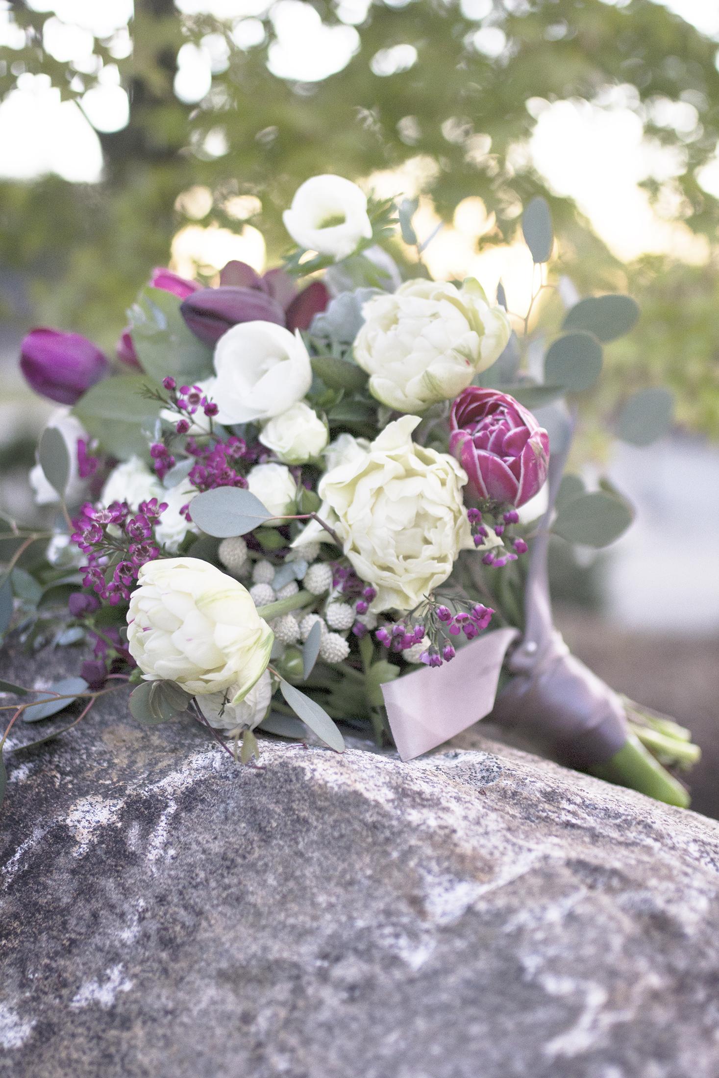 reduced_ss_bridal_bouquet_tulips_purple_white_euc_dusty_sunset.jpg