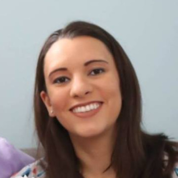Sara Szymkowiak - Presenter