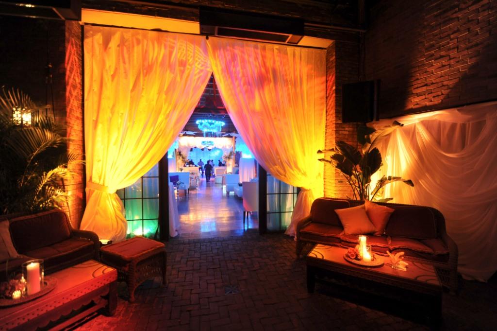 12. Havana Lounge.jpg