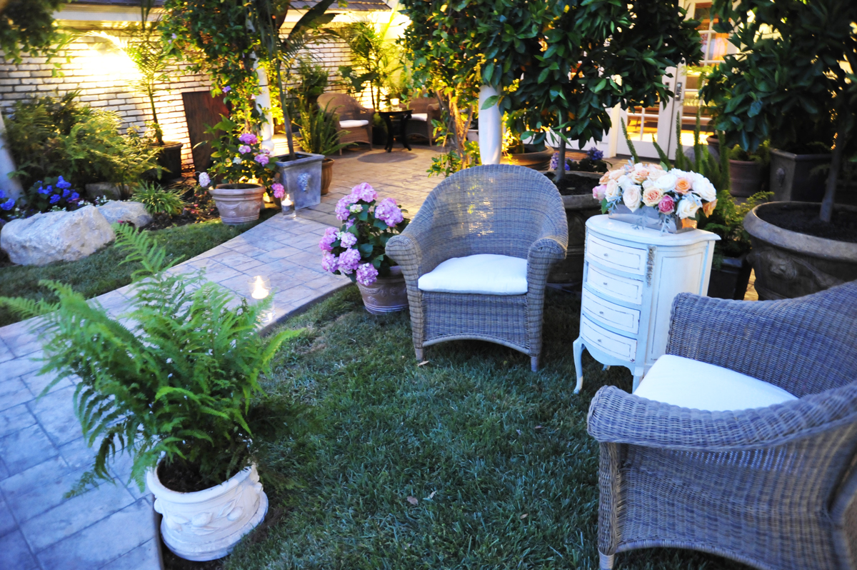005.charming outdoor sitting area, vintage event furniture, potted hydrangea, wicker lounge,  .jpg