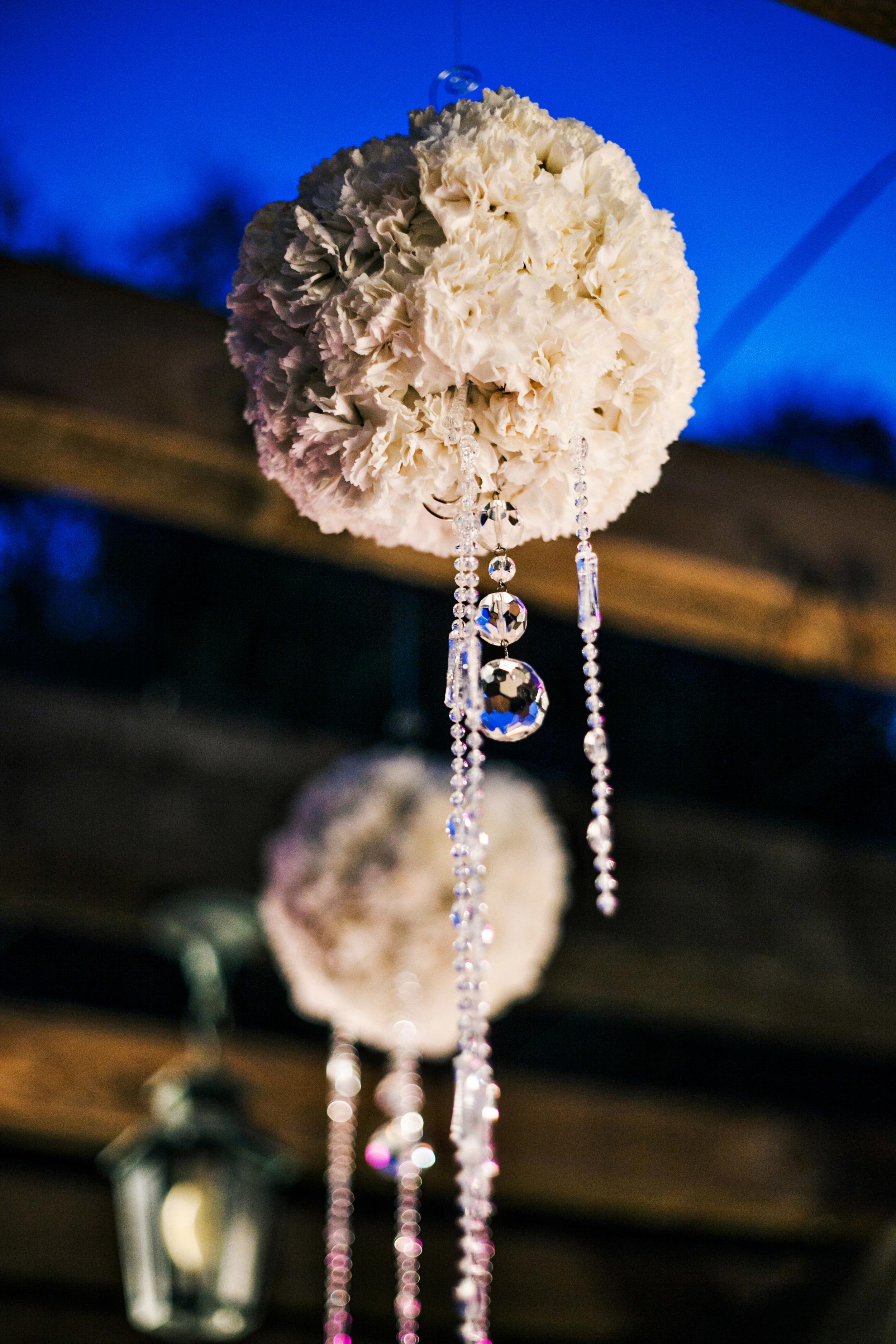 32. RS - flower pomeanders, hanging flowers with crystals, wedding bar flowers, white wedding flowers, modern romantic wedding, summer wedding.jpg