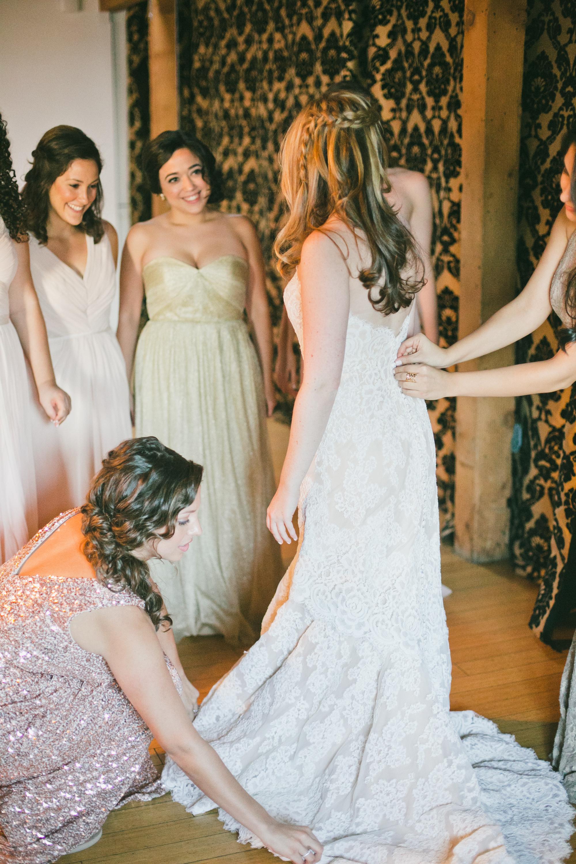 006 bride + bridesmaids.JPG