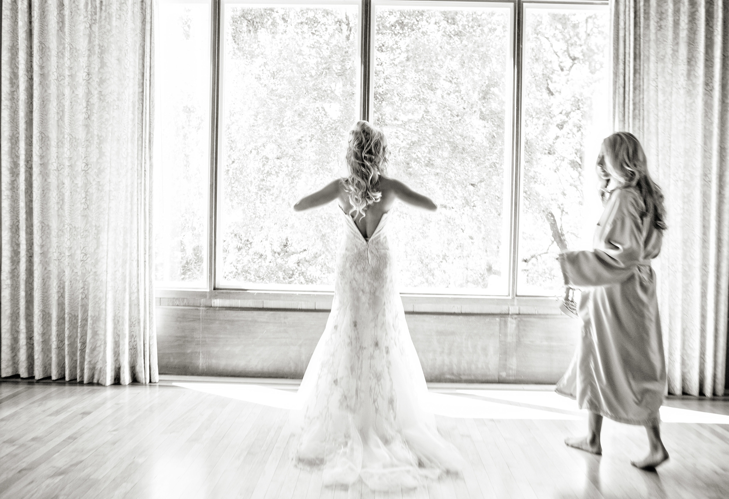 N Bride getting ready sonoma wedding.jpg
