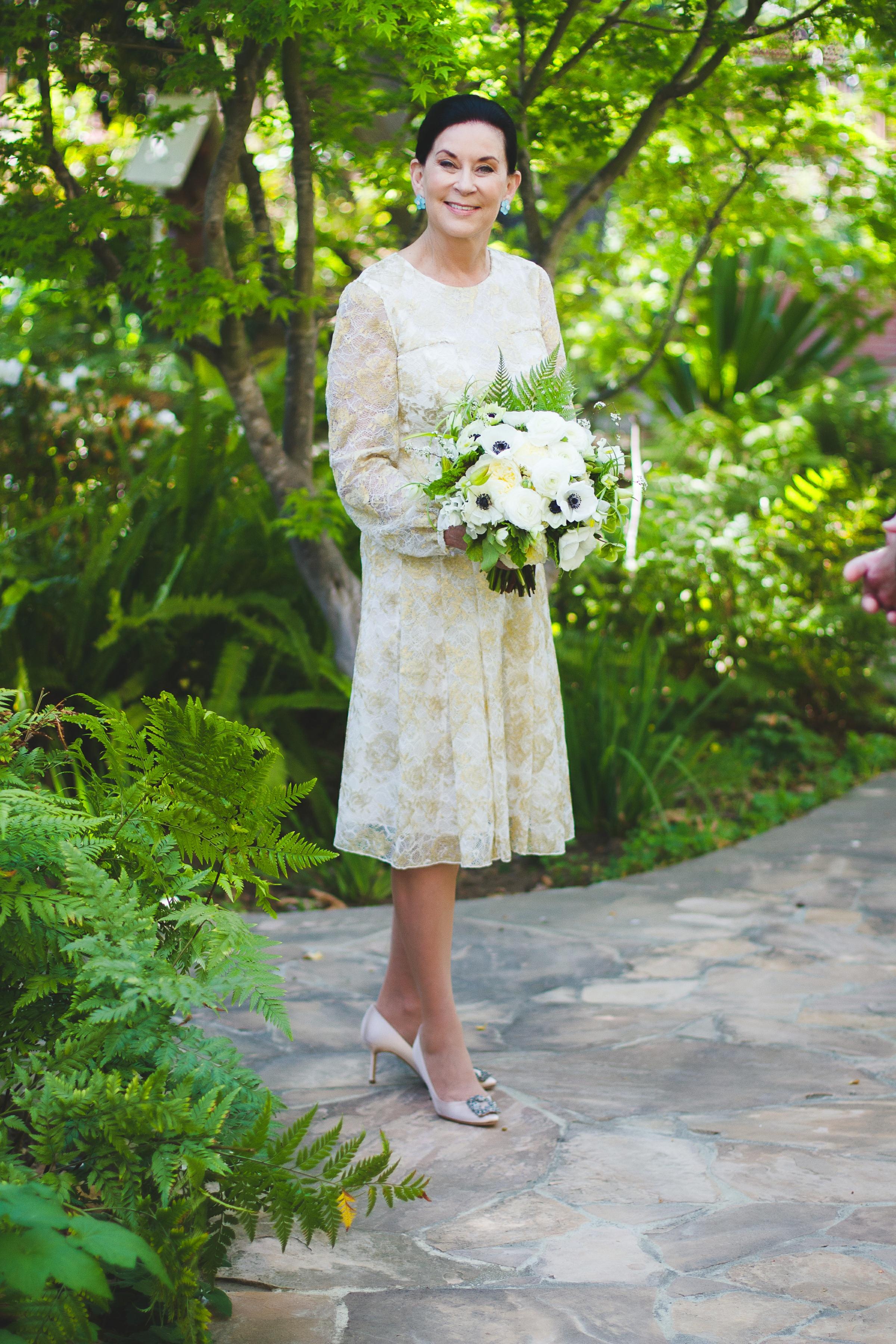 013 - bride & bouquet.jpg
