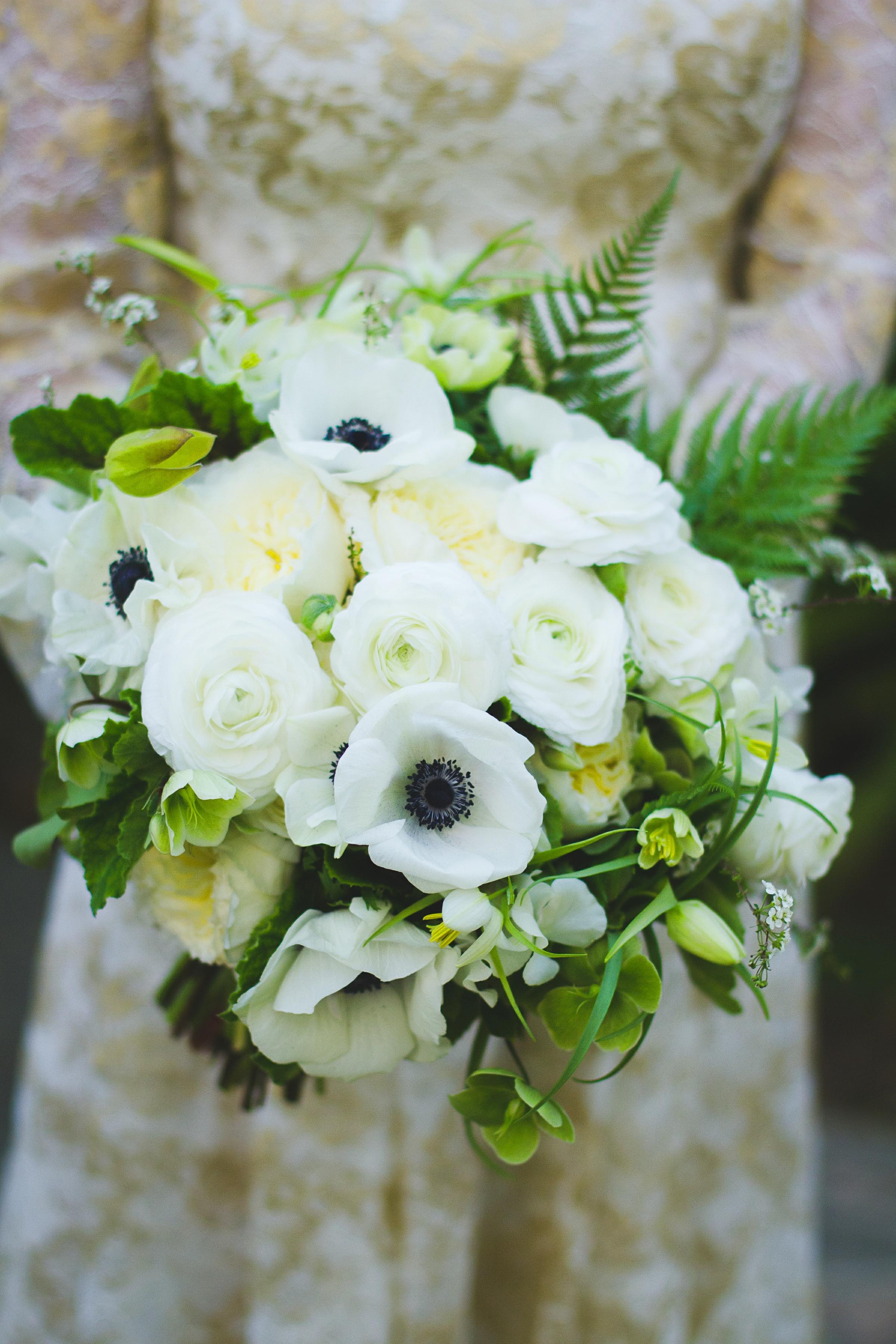 016 - bride & bouquet.jpg