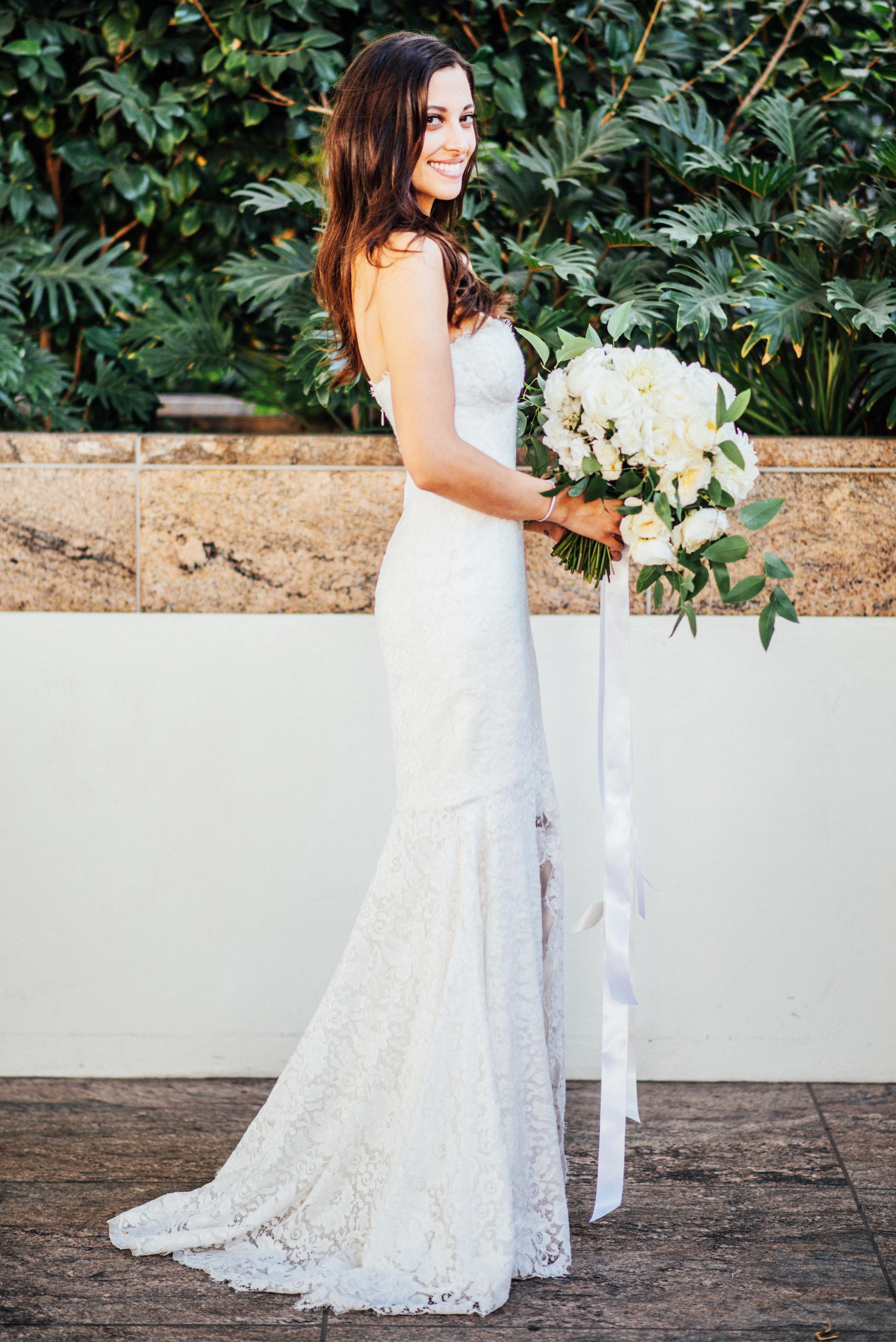 011 Bride + Bouquet.jpg