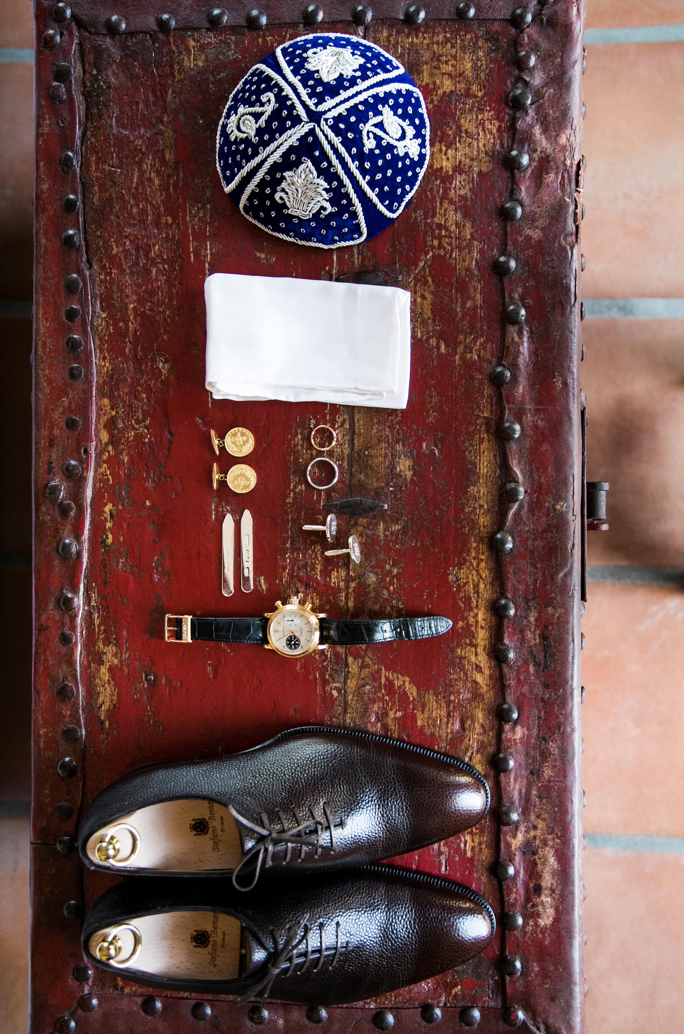 4. Groom Accessories.jpg