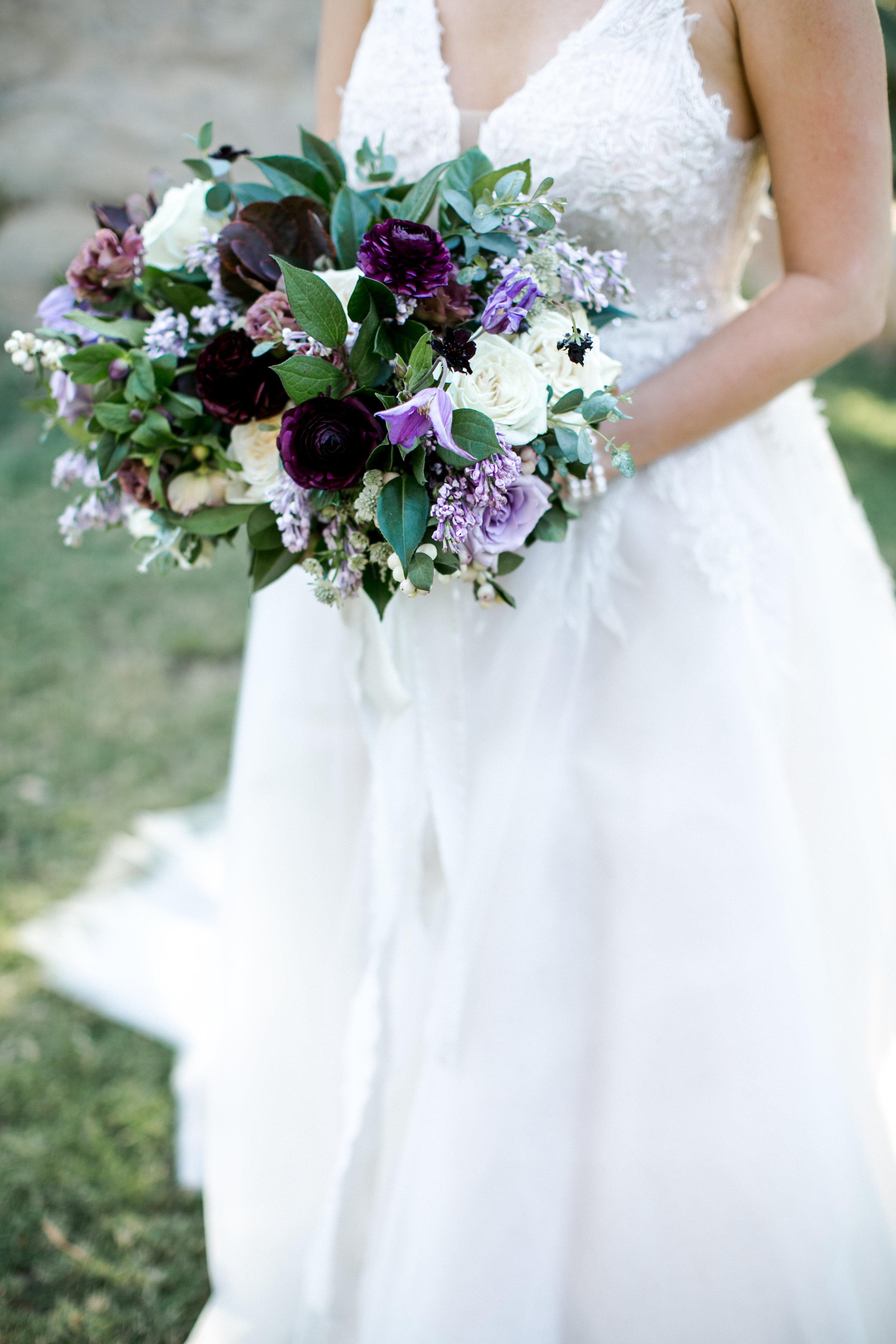 20. bride bouquet close up.jpg