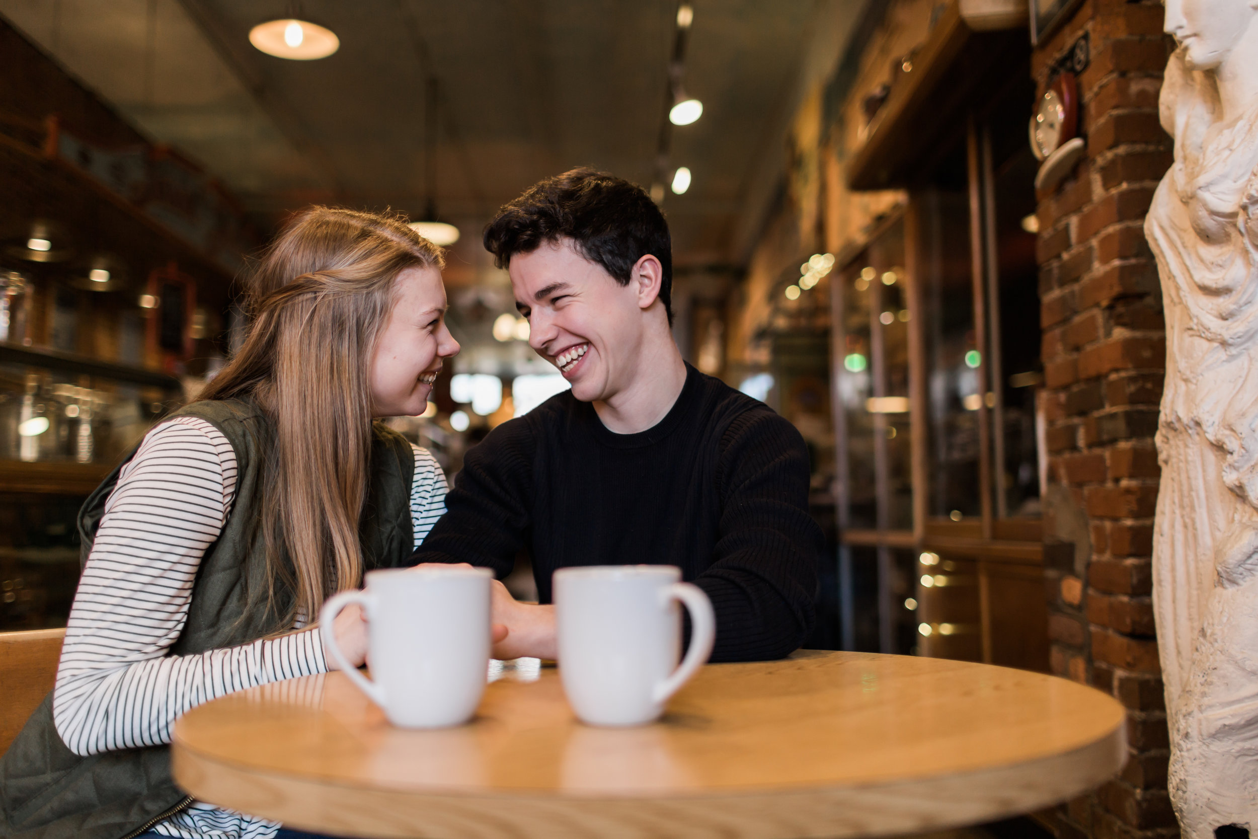Des-Moines-coffee-shop-engagement-session-6.jpg