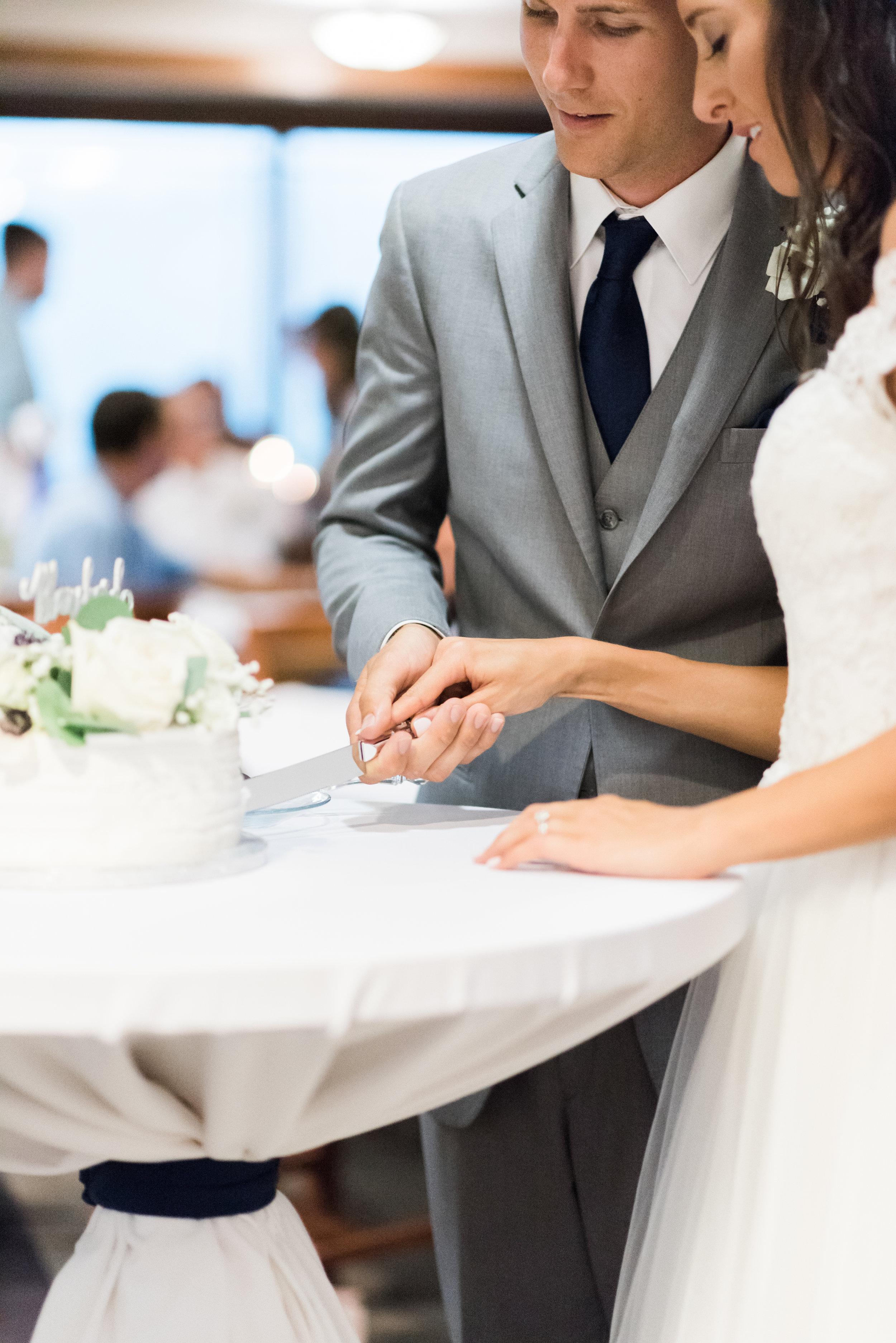 romanticiowawedding-77.jpg